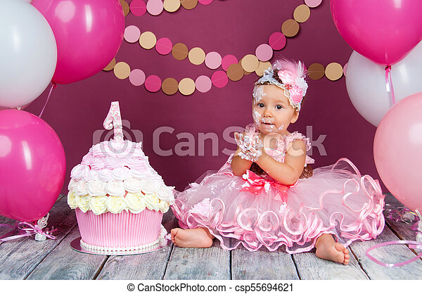 Stupendous The Little Girls Birthday Girl Was Smeared Into A Cake The First Funny Birthday Cards Online Elaedamsfinfo