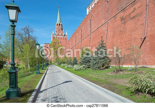 The path to the Trinity tower of Moscow Kremlin, Russia - csp27811066