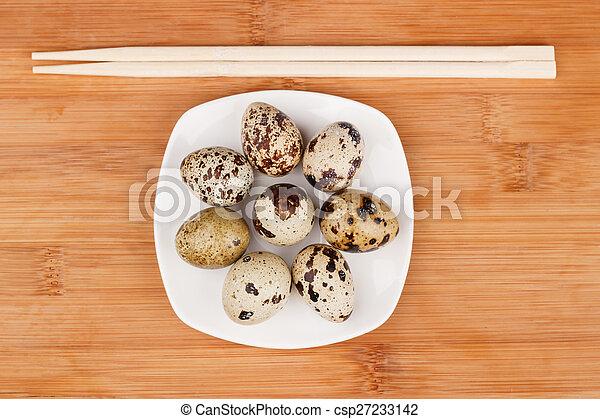 The picture quail eggs - csp27233142
