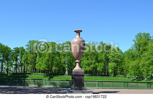 The porphyry vase - csp19831722