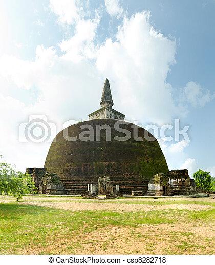 The Rankot Vihara or the Golden Pinnacle Dagoba in Polonnaruwa, 12th century - csp8282718
