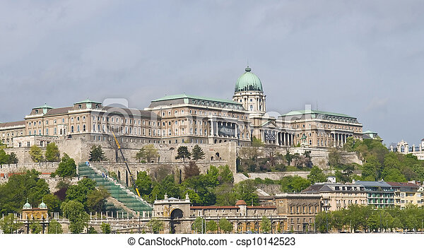 The Royal palace in Budapest - csp10142523