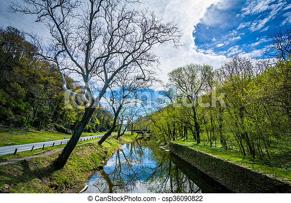 The Shenandoah Canal, in Harpers Ferry, West Virginia. - csp36090822