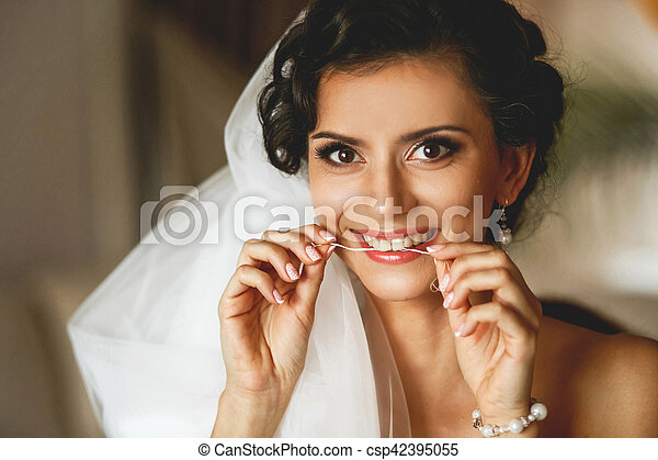The smilling bride - csp42395055