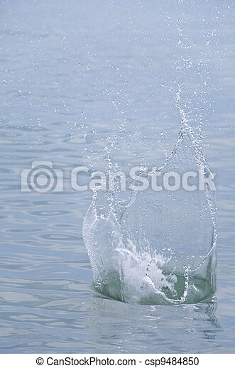 The spray of water - csp9484850