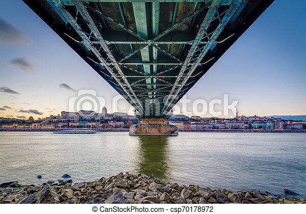 The Szechenyi Chain Bridge in Budapest, Hungary. - csp70178972