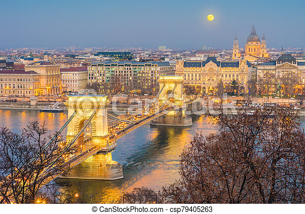The Szechenyi Chain Bridge in Budapest, Hungary. - csp79405263
