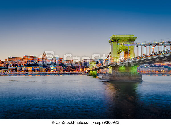 The Szechenyi Chain Bridge in Budapest, Hungary. - csp79366923