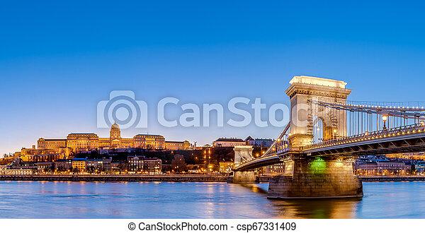 The Szechenyi Chain Bridge in Budapest, Hungary. - csp67331409