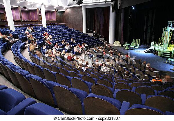 Leute im Theater - csp2331307