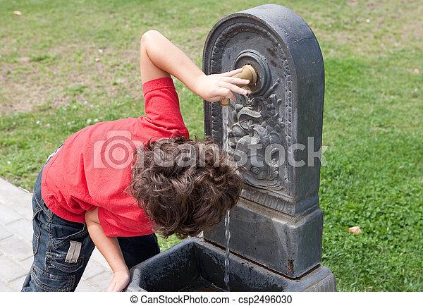 Thirsty little boy  - csp2496030