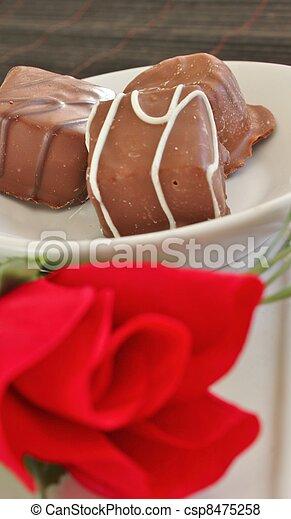 Three pieces of chocolate - csp8475258
