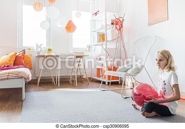 tiener meisje haar slaapkamer csp30906095