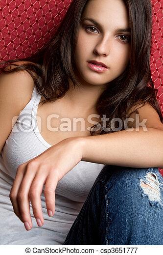 tiener meisje, ongedwongen - csp3651777