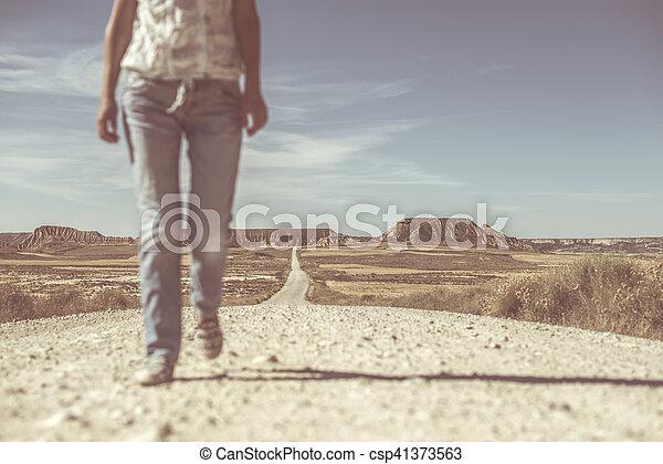 Camino de tierra del oeste salvaje - csp41373563