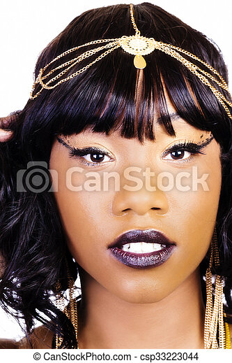 Tight Portrait Of Attractive African American Woman - csp33223044