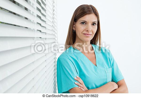 tillitsfull, tandläkare, klinik, kvinnlig - csp10918622