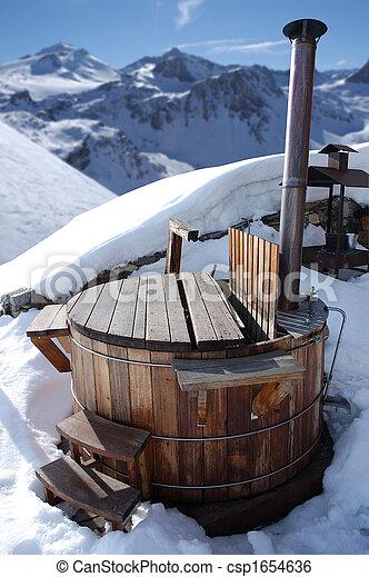 Una tina caliente - csp1654636