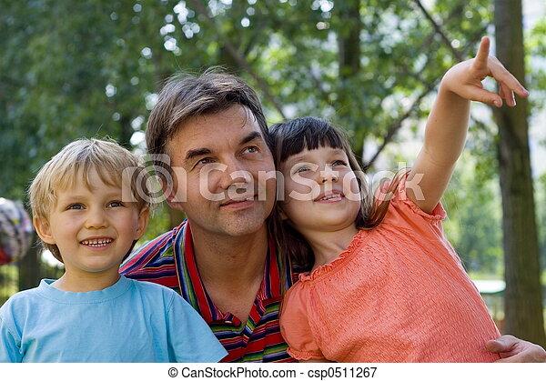 tio, crianças - csp0511267