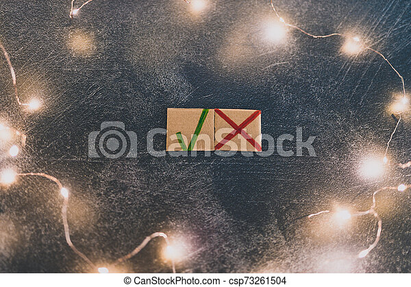 tique, concept, décision, croix, symboles, fait, vert, carton, prendre, rouges, icône - csp73261504