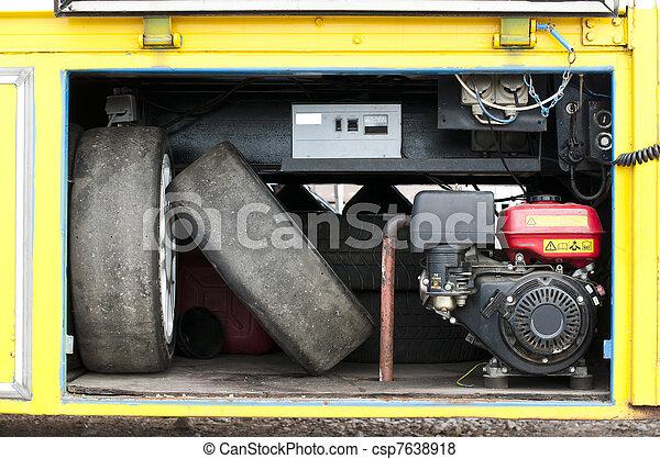 Tires and compressor - csp7638918