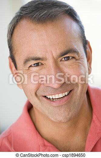 La cabeza del hombre sonriendo - csp1894650