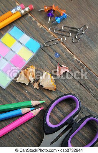 Tisch schule clipart  Stockfoto von tisch, schule, material - holztisch, schule ...