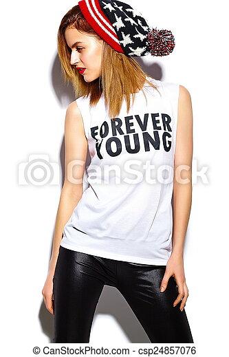 tissu, look., hipster, lèvres, beanie, mode, fascination, beau, élevé, modèle, femme, rouges, coloré, élégant, jeune - csp24857076