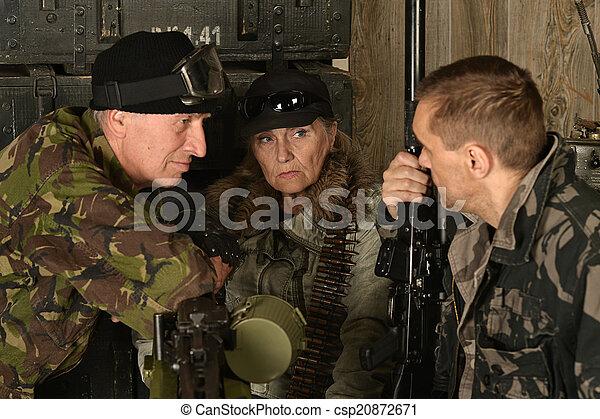 tjäna som soldat, beväpnat, strid - csp20872671