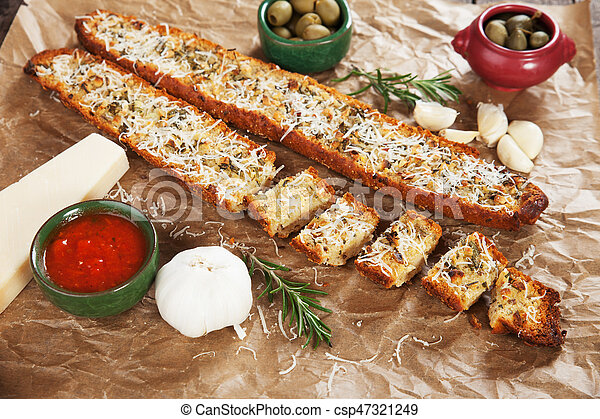 Toasted garlic bread with parmesan cheese - csp47321249