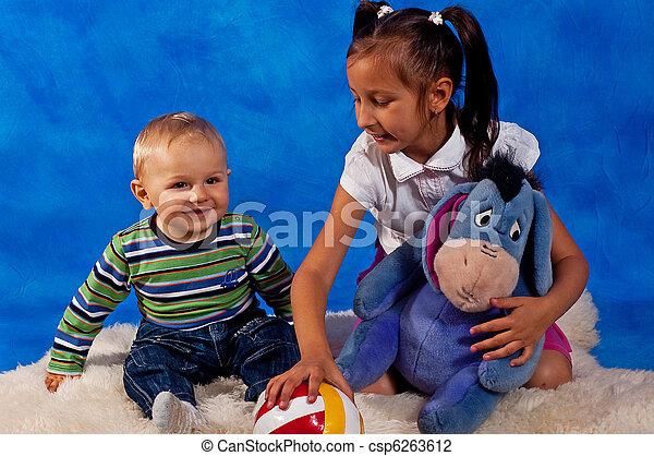 tocando, crianças, brinquedos - csp6263612