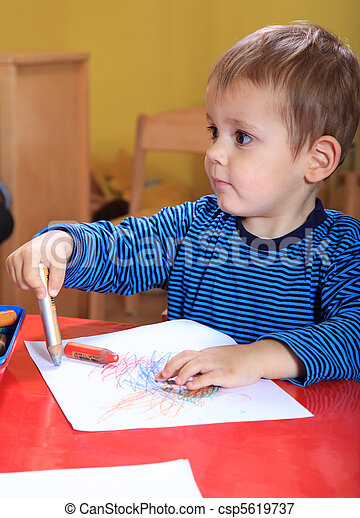 Toddler drawing a picture - csp5619737
