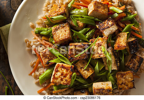 Tofu, frire, remuer, fait maison. Légumes, tofu, fait maison, frire, riz, remuer.