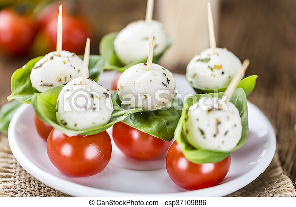 Tomato Mozzarella Salad with Basil - csp37109886