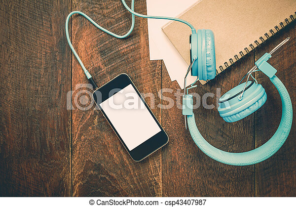 Admirable Top View Note Paper Headphones Smartphone Pencil On Wooden Office Desk Background Download Free Architecture Designs Terchretrmadebymaigaardcom