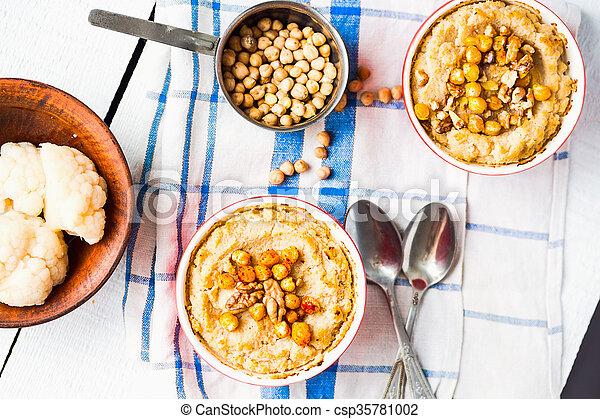 topo, cogumelos, vegan, nozes, chickpeas, vegetal, casserole, vista - csp35781002