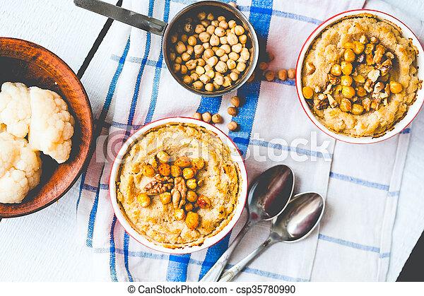 topo, cogumelos, vegan, nozes, chickpeas, vegetal, casserole, vista - csp35780990