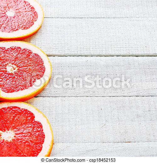 Grapefruit en pizarras blancas - csp18452153