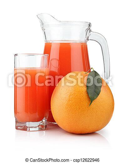 Un vaso lleno de jugo de pomelo y fruta aislada - csp12622946