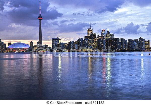 Toronto skyline - csp1321182