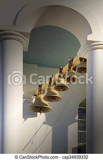 Torre de campana de la iglesia ortodoxa. - csp34939332