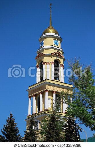 El campanario de la catedral. - csp13359298