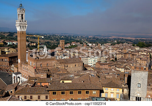 Torre del Mangia in Siena, Italy - csp11002314