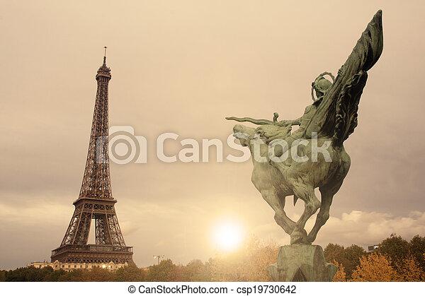Torre Eiffel - csp19730642
