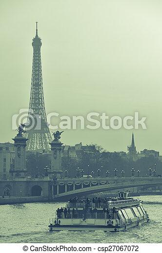 Vista de la Torre Eiffel al atardecer - csp27067072