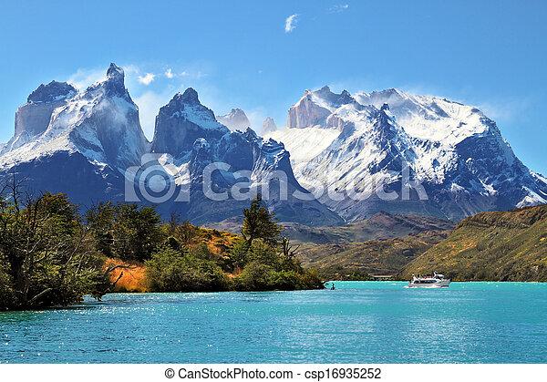 torres, paine, parque nacional, del, chile - csp16935252