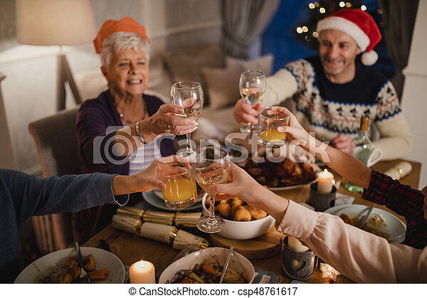 Una tostada de Navidad - csp48761617