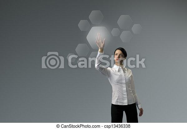 Tecnología futura. Chica pulsar botón interfaz de pantalla táctil. - csp13436338