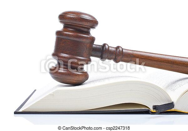 træagtig gavel, juridisk bog - csp2247318