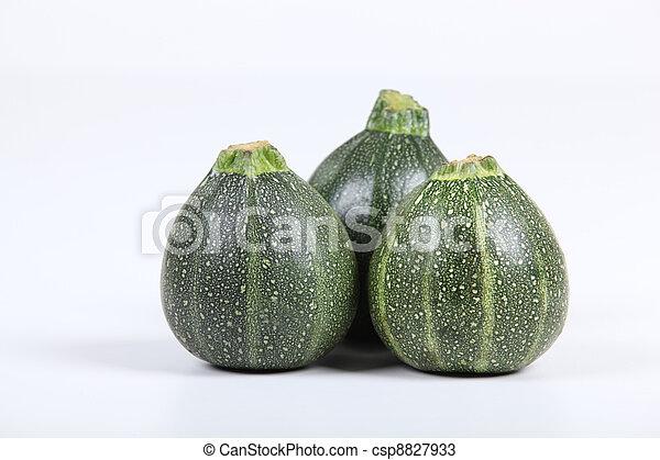 três, zucchinis. - csp8827933